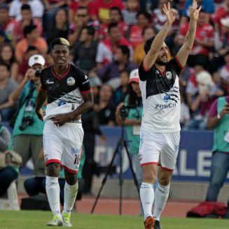 Lobos BUAP festeja gol de Facundo Erpen frente a Veracruz