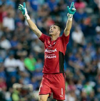 Volpi celebra el gol de Gallos frente a Cruz Azul