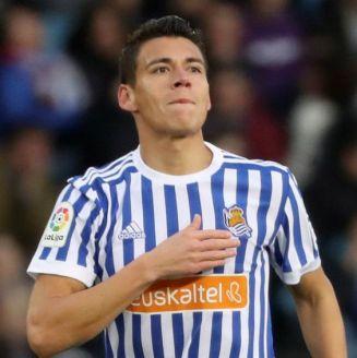 Héctor Moreno festeja su gol con la Real Sociedad frente al Alavés