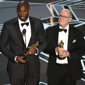 Kobe Bryant y Glen Keanev reciben el premio al Mejor Cortometraje Animado