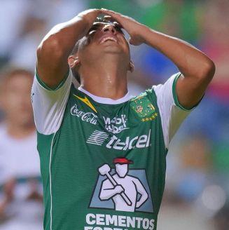 Elías Hernández se lamenta en partido contra Zacatepec