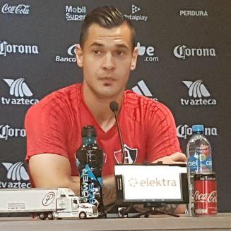 Milton Caraglio, en conferencia de prensa