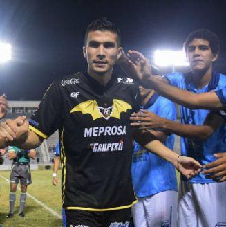 Ezequiel Orozco recibe apoyo de jugadores