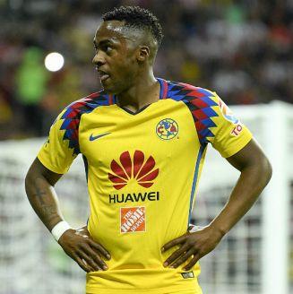 Renato Ibarra, durante un partido del América