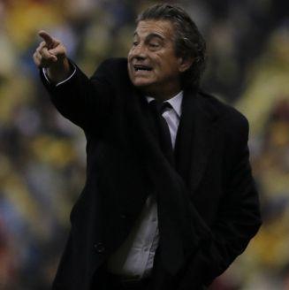 Rubén Omar Romano durante un partido frente al América