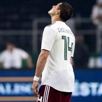 Chicharito Hernández se lamenta en el partido contra Croacia