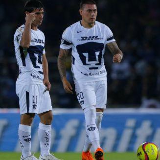 Alustiza y  Castillo planean cómo cobrar el tiro libre para Pumas