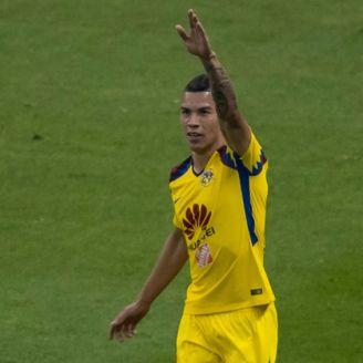 Mateus Uribe festeja su gol contra Cruz Azul