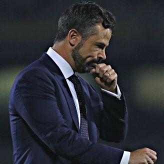 Rafael Puente se lamenta después de partido