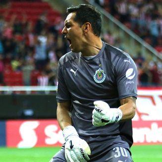 Rodolfo Cota durante el partido contra New York