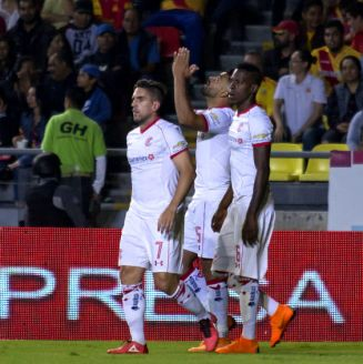 Toluca festeja gol de Alexis Canelo frente a Monarcas