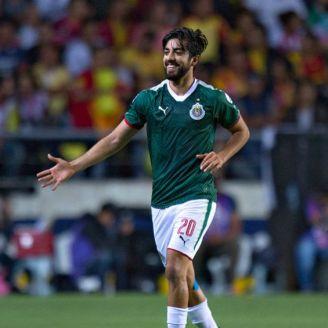 Rodolfo Pizarro festeja gol