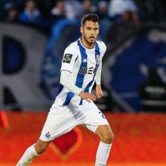 Diego Reyes durante un partido con el Porto