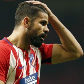 Diego Costa se lamenta durante partido