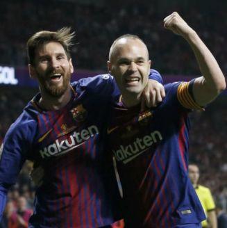 Messi e Iniesta festejan un gol del Barça en la Copa del Rey
