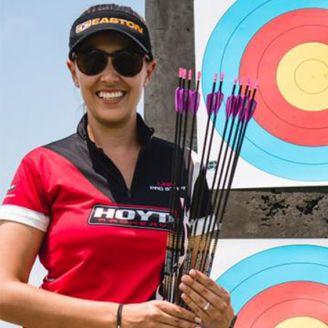 Linda Ochoa sonríe tras imponer una marca mundial