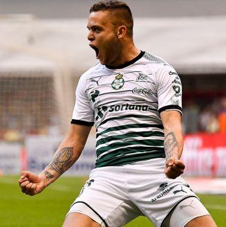 Jonathan Rodríguez celebra un gol con Santos