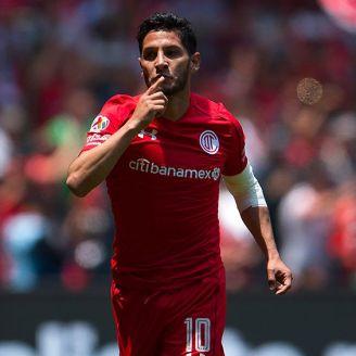 Ángel Reyna celebra un gol con Toluca