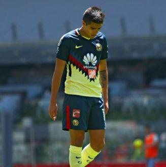 Jugador del América Sub 20, cabizbajo en el juego vs Tigres
