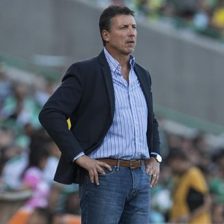Robert Dante Siboldi, durante un juego de Santos en el C2018