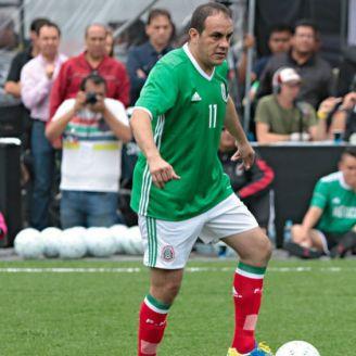 Cuahtémoc Blanco durante un partido