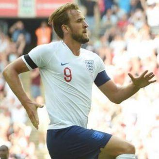 Kane festeja gol con el Tottenham