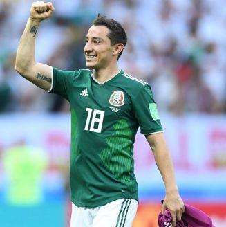 Guardado celebra el triunfo de México frente a Alemania