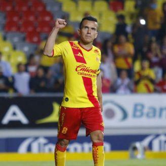 Chato Rodríguez durante un partido con Morelia