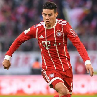 James Rodríguez disputa un encuentro con el Bayern Munich
