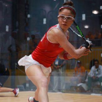 Paola Longoria durante un partido