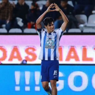 Erick Gutiérrez festeja gol con Tuzos