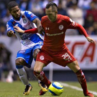 Brayan Angulo y Rodrígo Salinas durante un partido