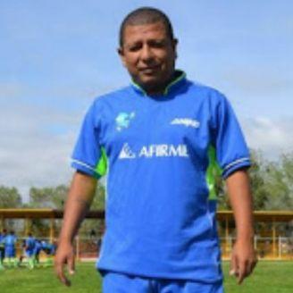 Jorge Chávez Tapia posa para la fotografía