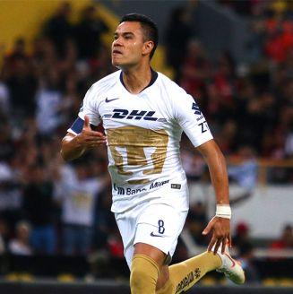 Pablo Barrera celebra una anotación con Pumas en el A2018