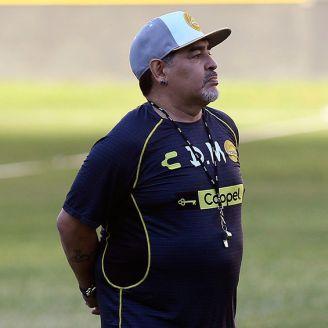 Maradona, en una práctica de Dorados