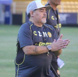 Maradona durante un entrenamiento de Dorados