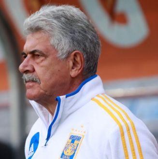 Tuca Ferretti, durante un partido de Tigres