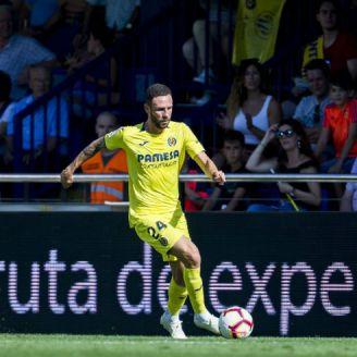 Miguel Layún durante un partido con el Villarreal