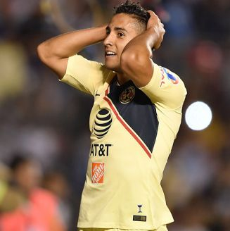 Cecilio Domínguez se lamenta en juego del América