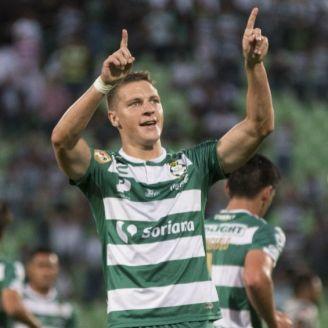 Julio Furch celebra gol contra Monterrey