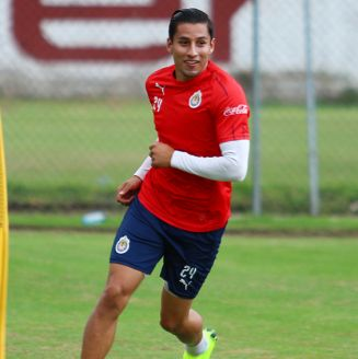 Carlos Cisneros, en entrenamiento con Chivas