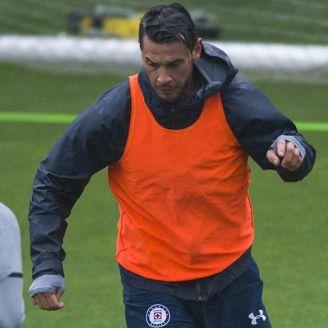 Milton Caraglio en el entrenamiento de Cruz Azul