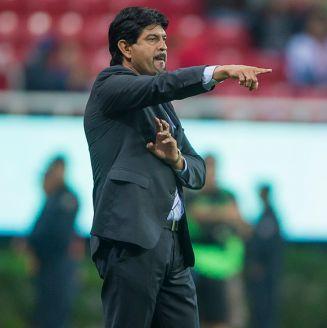 Cardozo da indicaciones en juego de Chivas