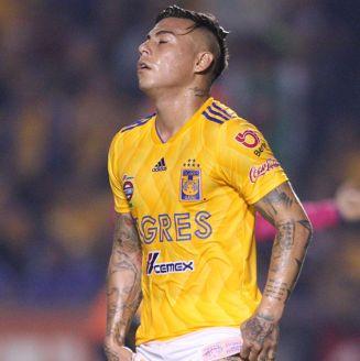 Edu Vargas se lamenta en juego de Tigres