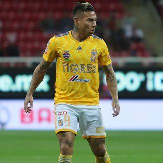 Vargas, durante juego contra Chivas