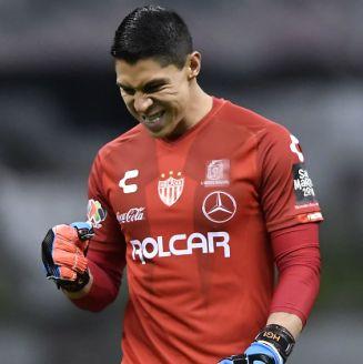 Hugo González durante un partido contra el América