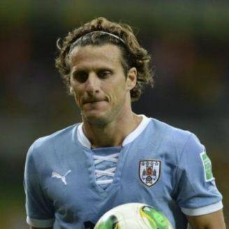 Diego Forlán, durante un partido con Uruguay