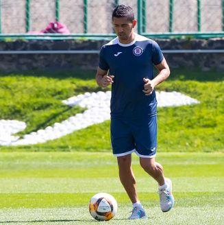 Elías Hernández, en un entrenamiento de Cruz Azul