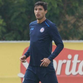 Jordan Silva, durante un entrenamiento con Cruz Azul