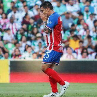 Michael Pérez en lamento durante un encuentro frente a Santos